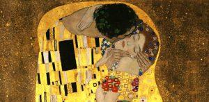 """""""Il bacio"""" di Klimt in un abbraccio simbolo di universalità"""