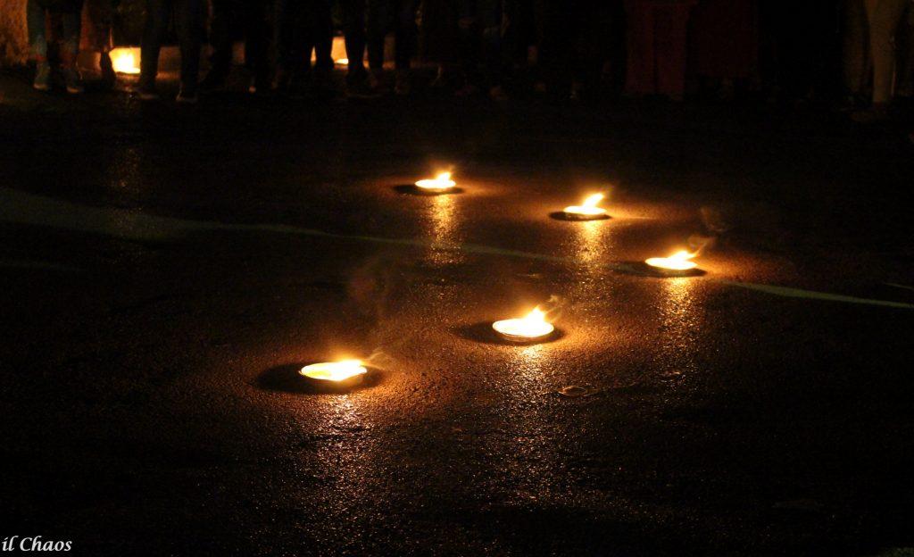 La notte delle candele nei giardini dell'ozio romano