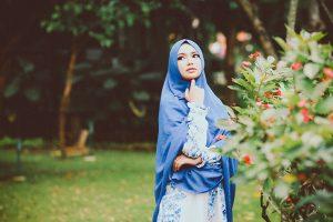 Tutte le varianti del velo islamico. Burqa, chador, hijab
