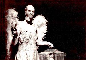 Psicosi delle 4 e 48, il Teatro delle Bambole trafigge col dolore