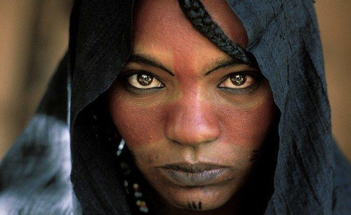 Le donne Tuareg, foto di George Steinmetz