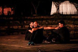 'Il viaggio di Nabil' sull'immigrazione a teatro con una zattera