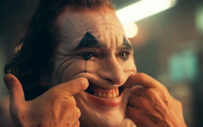Joker di Joaquin Phoenix. Todd Phillips