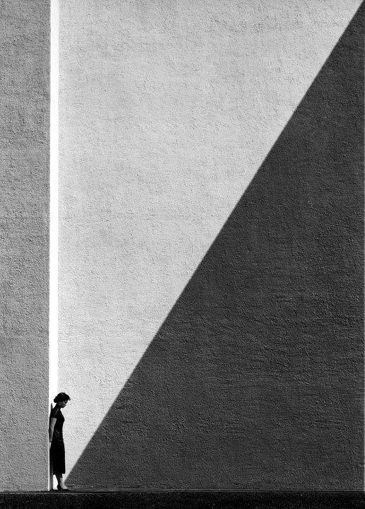 Approaching Shadow di Fan Ho