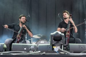 2Cellos, le rockstar internazionali del violoncello
