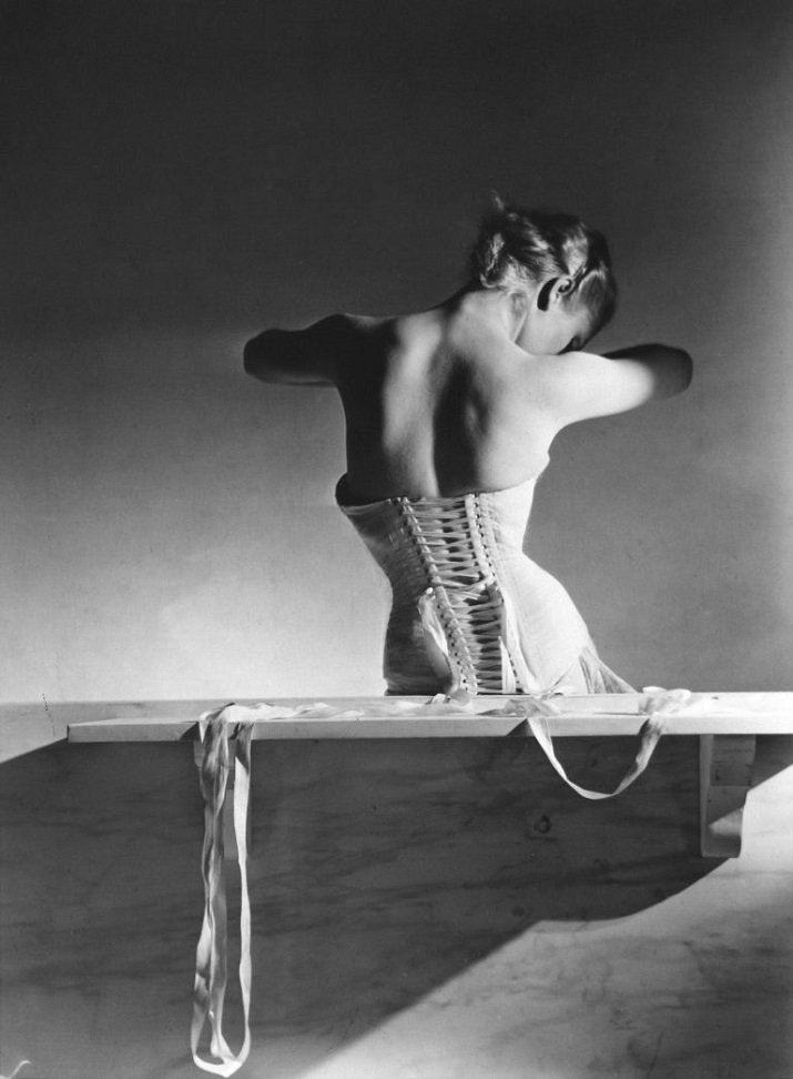 The Mainbocher Corset di Horst P. Horst