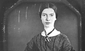 Emily Dickinson. Il canto anticonformista da poeta incatanta