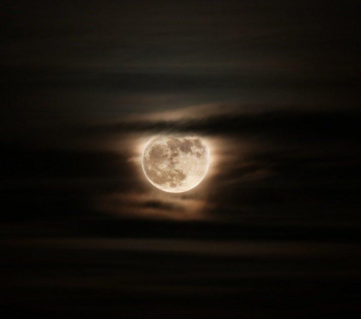 La luna di Jorge Luis Borges