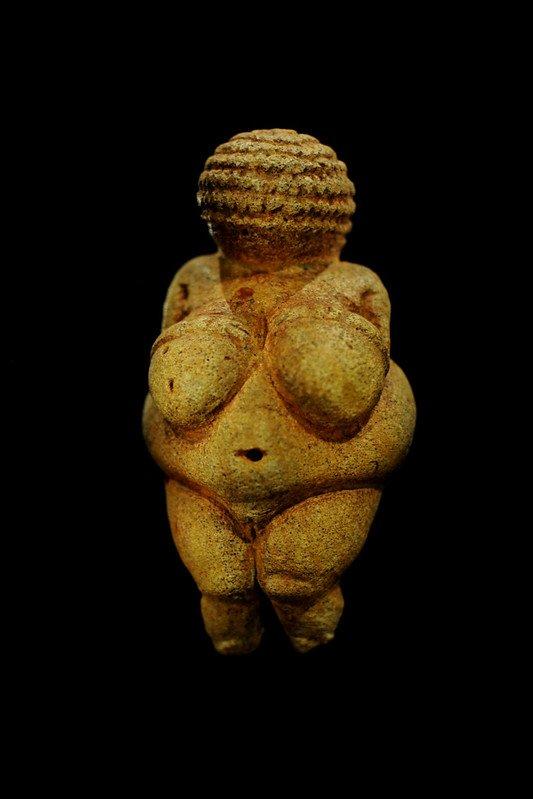 Veneri paleolitiche e la Grande Madre. Venere di Willendorf