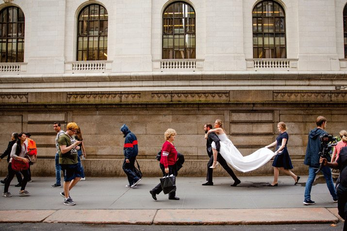 """""""The groom carried the bried"""" di Dave Robbins"""