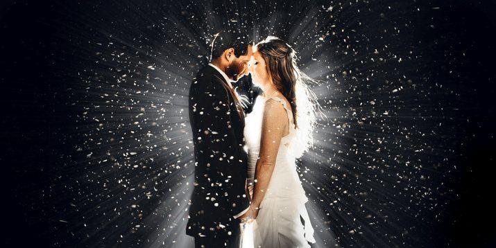 """Fotografia di matrimonio. """"The snow in the parking"""" di Clane Gessel"""