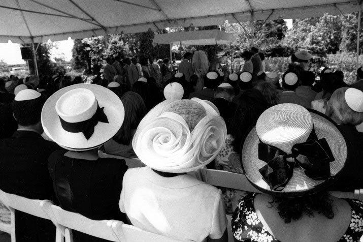 """Three Hats"" di Fred Marcus"