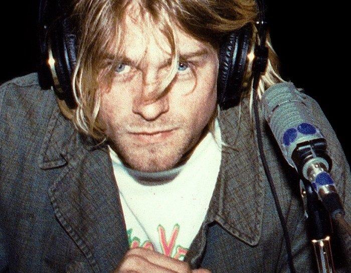 Kurt Cobain, gli occhi tristi del grunge. Diari, arte, amore e Nirvana