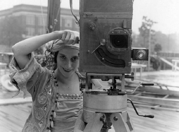 Registe donne. Lois Weber