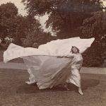 Loïe Fuller. La donna orchidea della Époque. Lo spirito alato della danza moderna