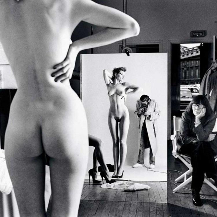 Autoritratto con la moglie June e le modelle