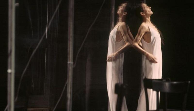 """""""Cafe Muller"""". Il Tanztheater Teatro-Danza di Pina Bausch"""